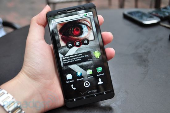 Motorola DroidX Engadget preview