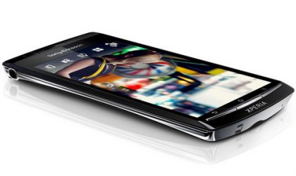 SE Xperia Arc S Launched in UK. Get it Free on 2 Year Contract!
