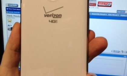 Verizon Galaxy Note 2 Pics Leak. What's up with that logo on home key?