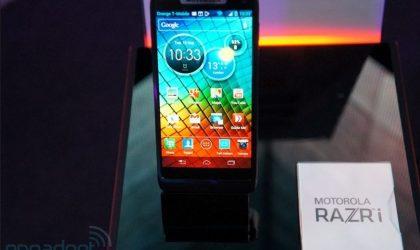 Motorola RAZR i Specs. Intel unleashes its 2GHz Medfield Processor