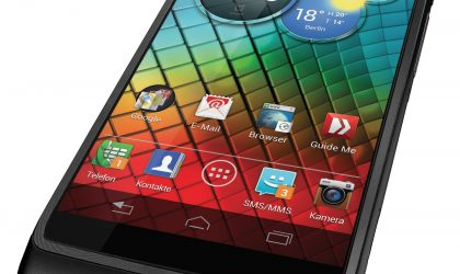Motorola RAZR i Price for Germany is 399 Euros, shipping from October 17th