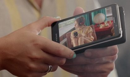 Watch the new Sony Xperia T Ad, highlights its one-tap image sharing feature