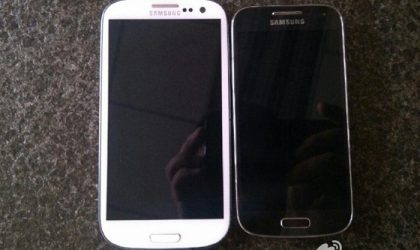Samsung Galaxy S4 Mini poses for the camera in leaked pictures