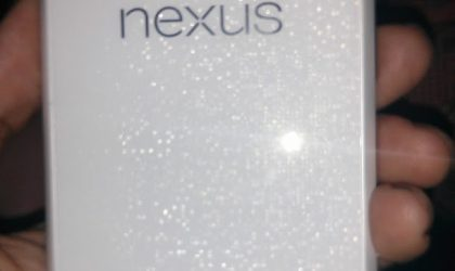 Pictures of White Nexus 4 surface on Google+, looks shiny and beautiful