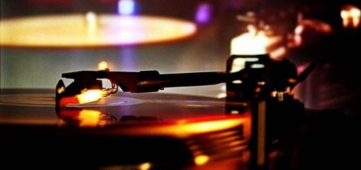 music-turntable-dj