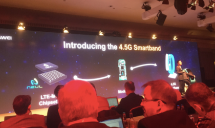 Huawei introduces the world's first LTE supported smartband