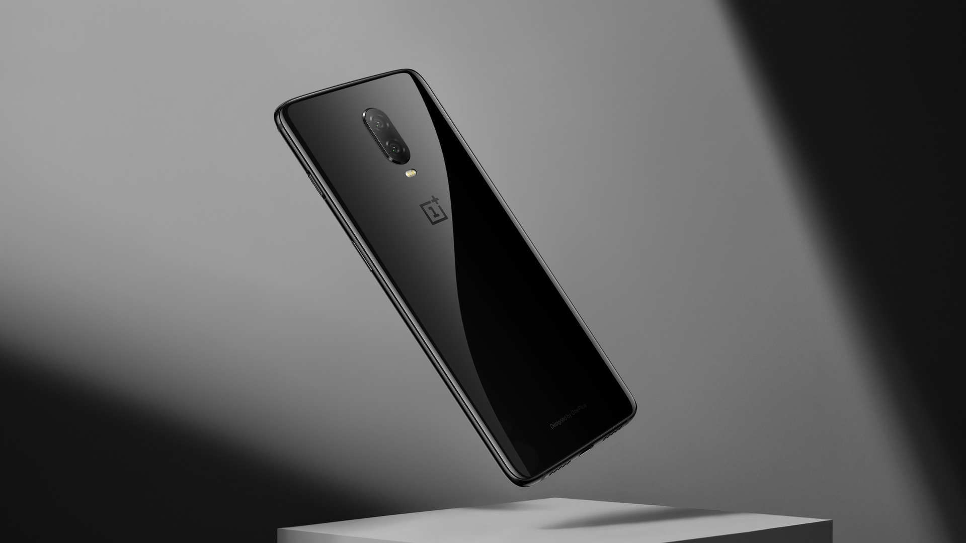 Why buy OnePlus 6T over Poco F1 design