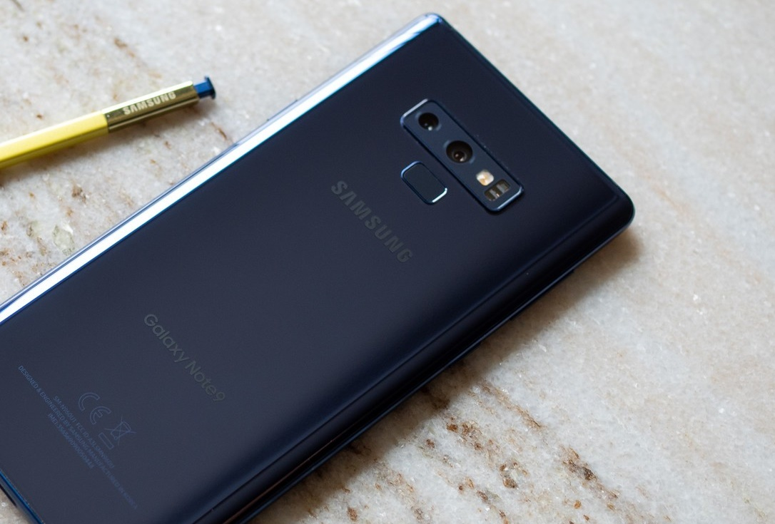 galaxy-note-9-blue-back-with-s-pen