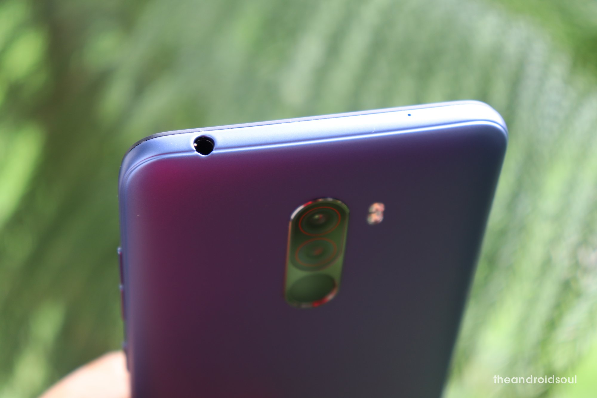should-you-buy-poco-f1-over-oneplus-6t-camera