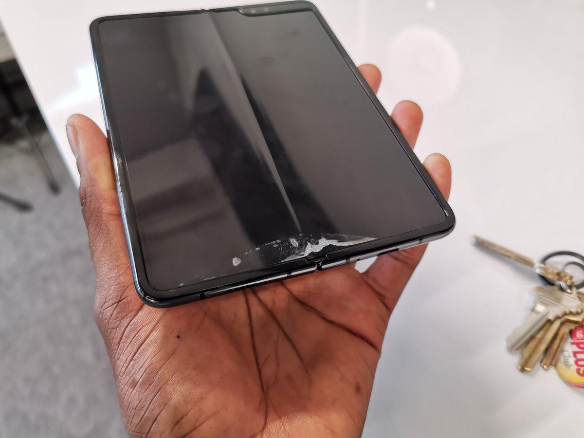 Samsung-Galaxy-Fold-display-issues-2