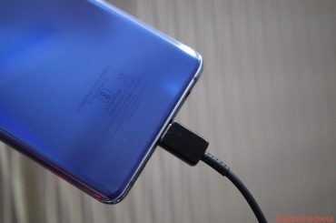 Galaxy S10 not charging problem